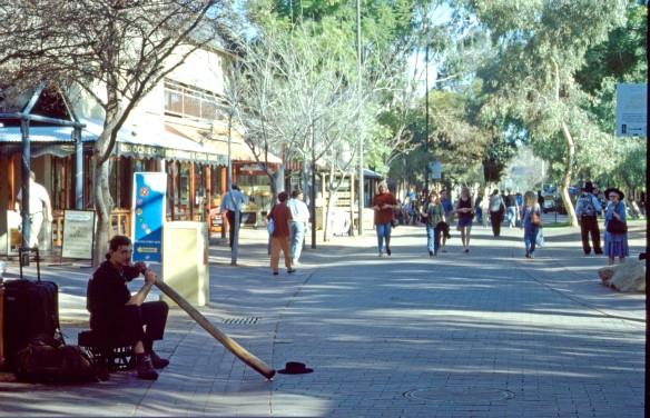 Didgeridoospieler (von dem wir eine CD gekauft haben) in Alice Springs