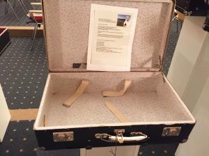 Der leere Koffer von Franz Alt