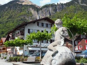 Fischer-Brunnen in Brienz