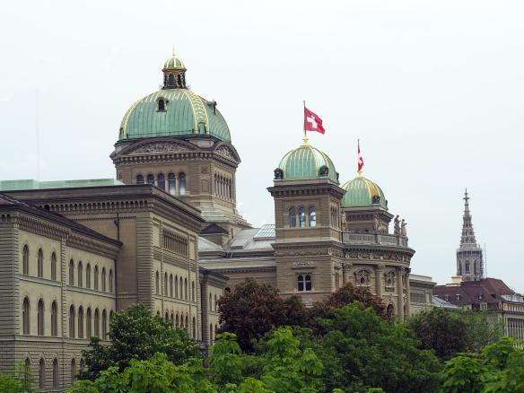 Die Kuppelhalle mit Ost- und Westbau
