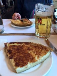 Schweizer Käsekuchen: eine kpl. Mahlzeit