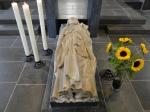 Statue über dem Apostelgrab