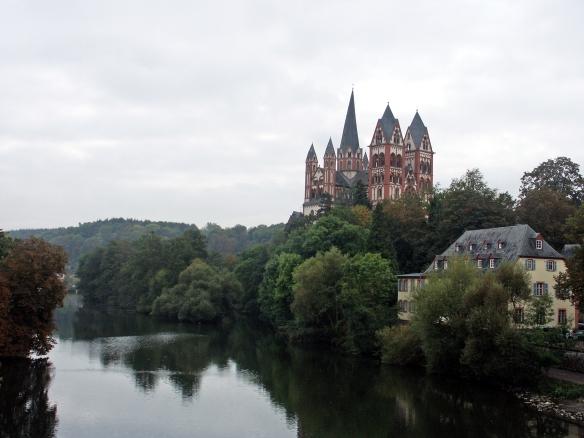 Dom zu Limburg von der Lahnbrücke aus