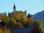 Herbstlaub mit Gstaad Palace