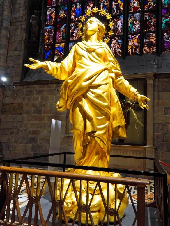 Kopie der Maria wie sie auf dem Dom oben steht