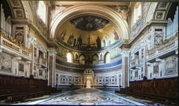 Das Innere der Lateranbasilika