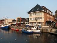 rechtes Hafenufer