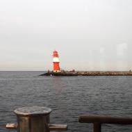 Der rechte Leuchtturm Richtung See