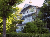 Villa mit wunderbaren Balkonen