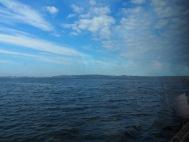 Wolken, Land und Wasser