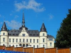 Schloss Ralswiek hinter der Naturbühne gelegen
