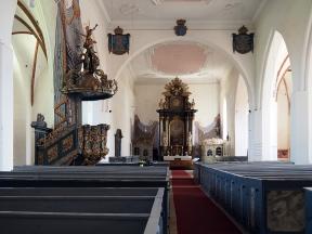Innenraum mit Blick z. Chor