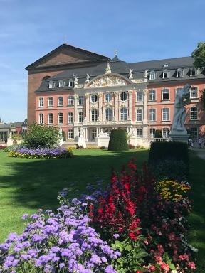 Palais und Garten