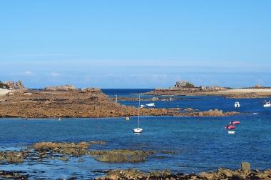Die Felseninseln vor Port Blanc